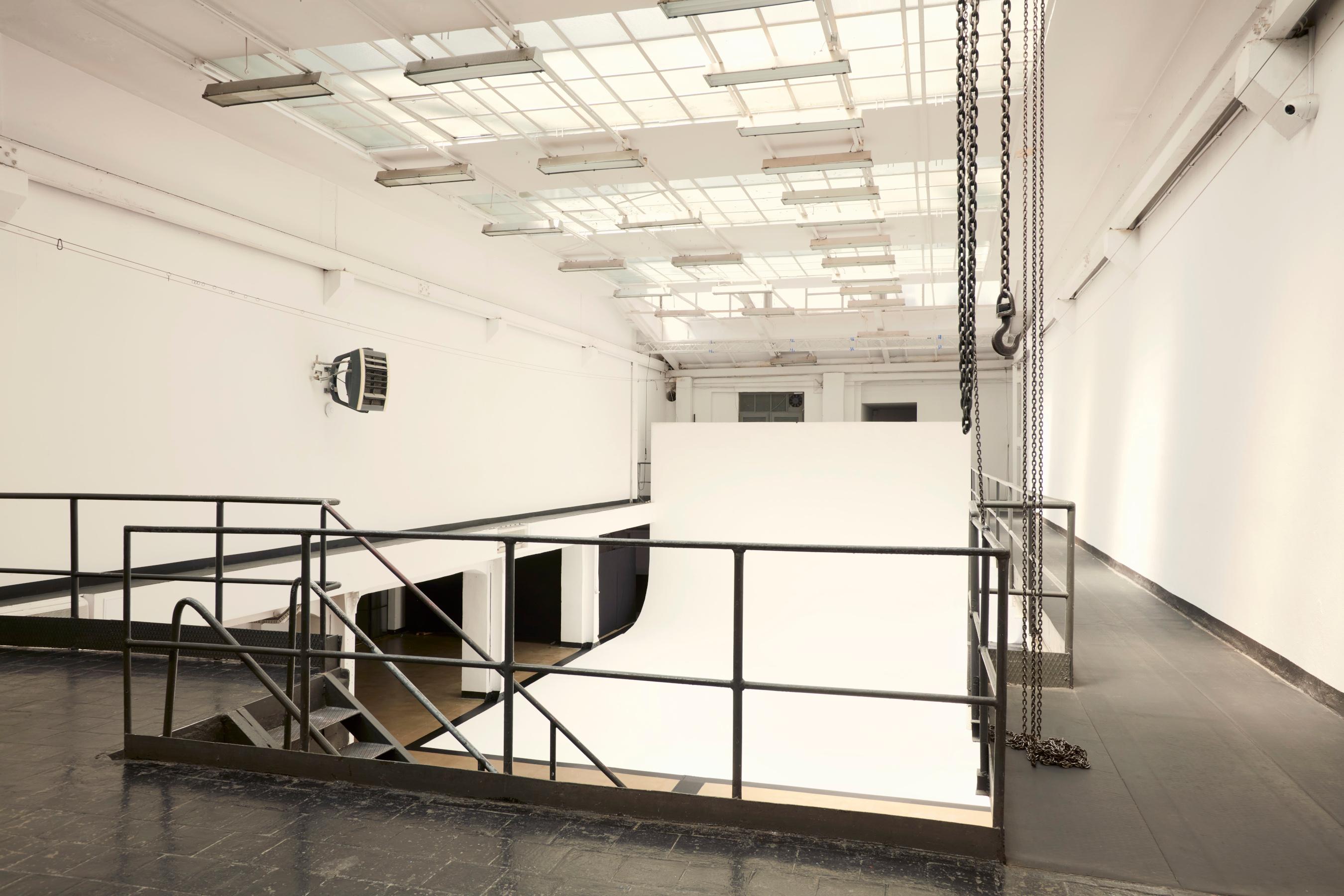 Over 2000m² of open floor surface
